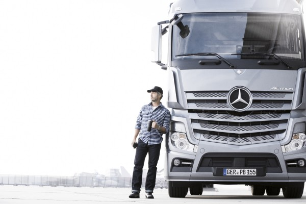 Mercedes – Image 1 / 24 © Thomas Kettner, Hamburg, http://thomaskettner.com