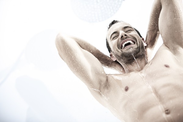 Shower – Image 2 / 3 © Thomas Kettner, Hamburg, http://thomaskettner.com