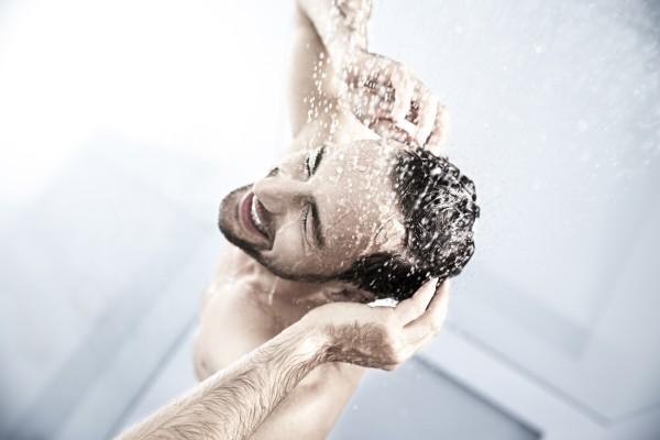Shower – Image 3 / 3 © Thomas Kettner, Hamburg, http://thomaskettner.com